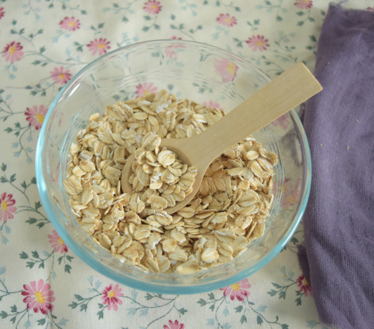 bowl of dry oatmeal