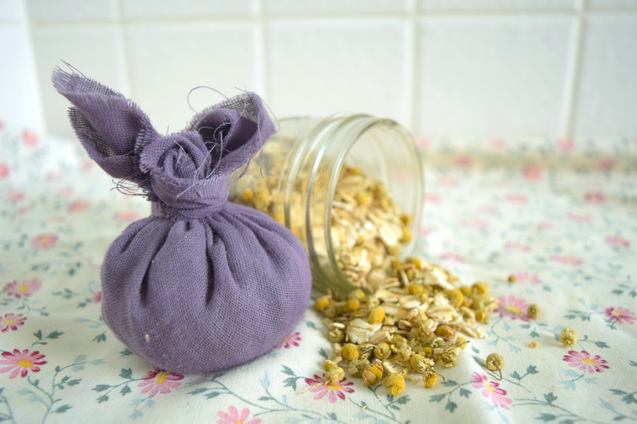 DIY Soothing Eczema Bath Tea